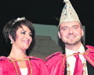 Prinz Johannes I. Paragrafenradler zu Kreuzbergia und Prinzessin Corinna I. Fashionqueen vom Luxor