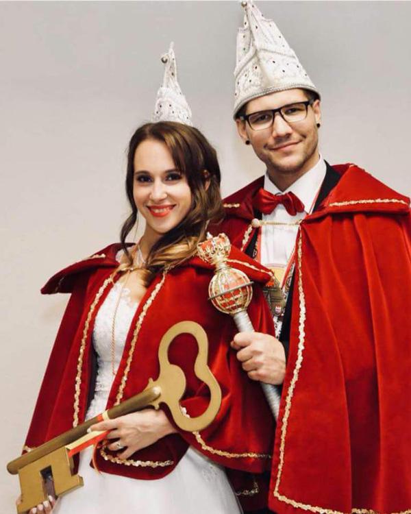 Prinz Peter III. Zaunkönig aus der Fränkischen und Prinzessin Lisa I. Gardedesignerin zu Dörflas