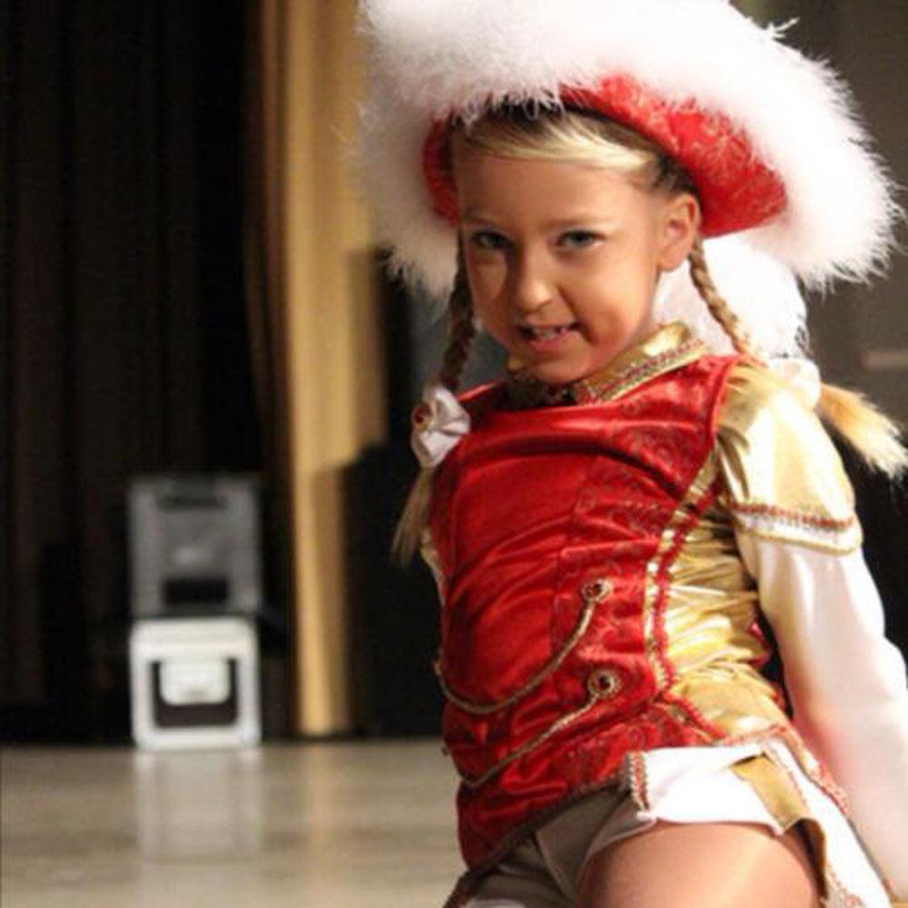 Ü-15-Tanzmariechen Sarah Meyer